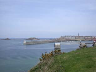 Vue de Saint-Malo depuis la cit d'Aleth